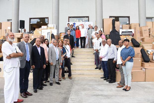 Ministerio de Cultura entrega un lote de instrumentos musicales valorado en RD$20 millones 928 mil pesos