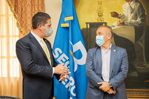 Se firma de acuerdo Seguros Reservas, Ministerio de la Presidencia y Plan Nacional Vivienda Familia Feliz