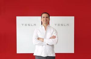 Carlos Grullon, presidente de Raas Solar, empresa certificada por Tesla.