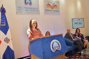 """La directora del programa Progresando con Solidaridad (Prosoli), Altagracia Suriel; aseguró que la Vicepresidencia de la República, la Unión Europea, el Fondo de las Naciones Unidas para la Infancia (UNICEF), Save The Children y la Biblioteca Infantil y Juvenil República Dominicana (BIJRD) se unieron para promover el concurso nacional infantil """"Pinta y Dibuja los Derechos de la Niñez"""", interesados en crear consciencia para que se siga protegiendo a la infancia."""