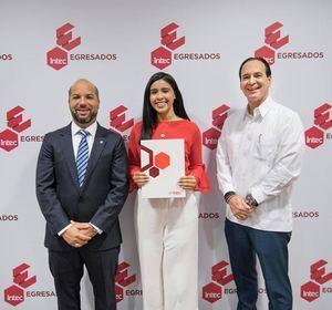 Ramón López, Camila Custodio y Arturo del Villar.