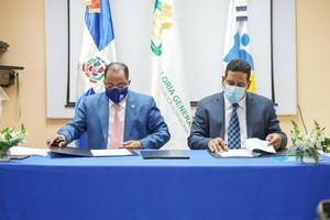 Contraloría y Contrataciones Públicas firman convenio para la interoperabilidad de sus plataformas tecnológicas.