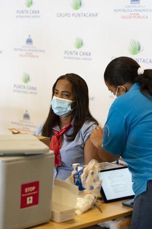 El Aeropuerto Internacional de Punta Cana vacuna a todos sus colaboradores directos e indirectos.