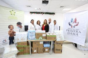 Despacho de la Primera Dama aporta medicamentos y diversos productos para contribuir a la reducción de la mortalidad materno-infantil.
