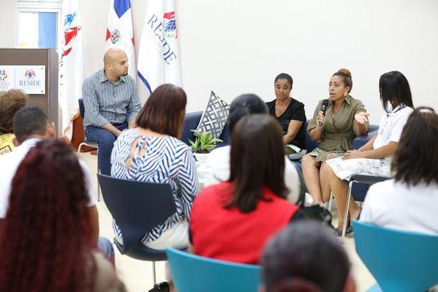 RESIDE conmemora Día Mundial de la Salud Mental con panel.