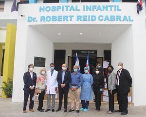 Israel dona insumos médicos contra el Covid-19 alHospital Infantil Dr. Robert Reid Cabral.