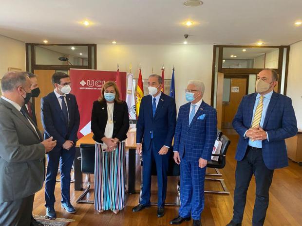 MESCYT y Universidad de Castilla-La Mancha desarrollarán 25 programas de estudios en favor de becarios dominicanos