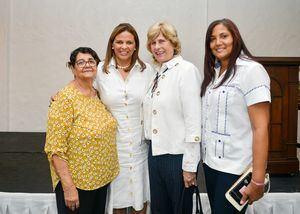 Rosa Merette, Rosa María García, Rosa Garcìa y Aurora Rosario.