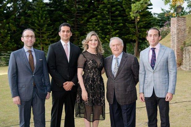 Giuseppe Bonarelli, David Bermudez, Nicole Bermudez, Pepino Bonarelli y Piero Bonarelli.