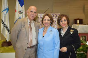 Juan Manuel Taveras Ureña, La Sra. Angélica Benítez de Ginebra y la Sra. Altagracia Hernandez de Taveras.