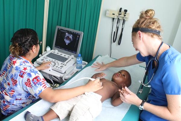 CEDIMAT y Fundación Grupo Puntacana realizan Jornada Cardiovascular Pediátrica en Verón