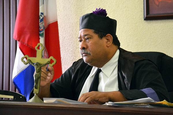 Juez condena a comentarista Chahede y descarga a directora de CONAPE