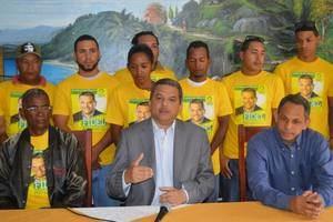Fidel Santana renuncia a la presidencia y militancia del Frente Amplio.