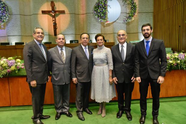 Ricardo Valdez, Jacobo Valdez, Héctor Valdez Albizu, Fior D'Aliza Martínez de Valdez, José Eduardo Valdez e Iván Malagueta.