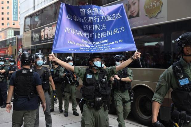 Imágenes de la protesta contra el aplazamiento electoral.