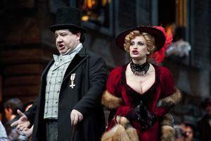 La Bohème es una clásica historia de amor en la que Giacomo Puccini nos lleva al París del siglo 19.