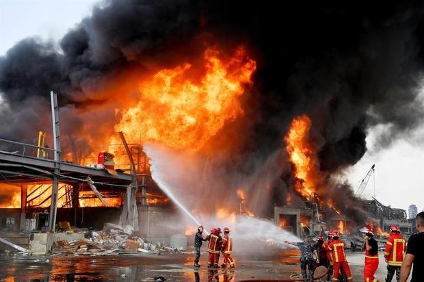 Nuevo incendio en el puerto de Beirut, en almacén de neumáticos