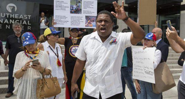 Exilio pide a los que reconocen a Guaidó expulsar a embajadores de Maduro