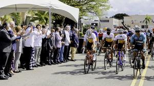 Presidente Abinader dejó iniciada la Vuelta Ciclista Independencia.