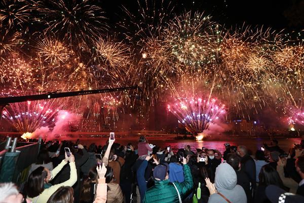Con una explosión de júbilo y fuegos artificiales, Australia celebró este miércoles la 'histórica' elección de la ciudad australiana de Brisbane (noreste) como la sede de los Juegos Olímpicos y Paralímpicos de 2032.