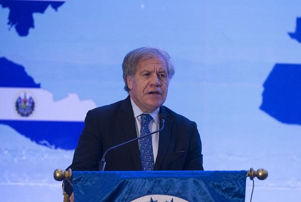El secretario de la OEA y expresidentes llaman a la renovación de los partidos