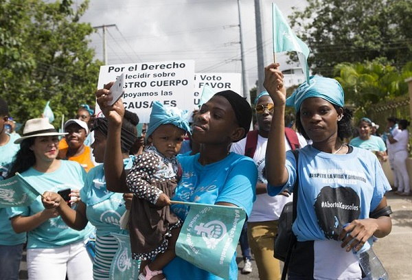 Un estudio aboga por la despenalización del aborto en tres causales en el país
