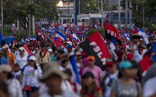 Ortega recibe baño de masas tras ataque de la Policía a los opositores en Nicaragua