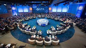 Líderes políticos y económicos en el Fondo Monetario Internacional (FMI).
