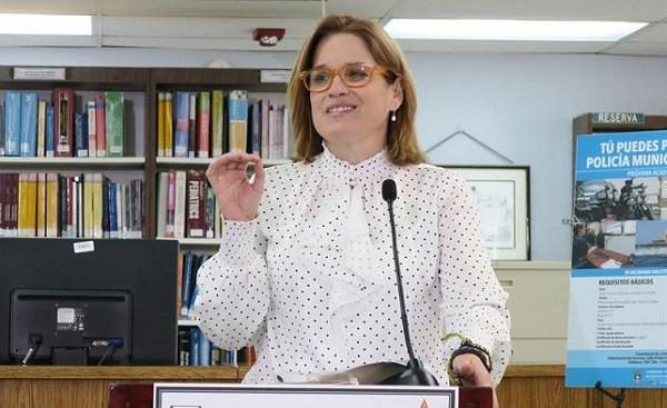 Alcaldesa de San Juan destaca la necesidad de contrarrestar políticas de inmigración