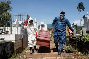 El noroccidental estado Zulia (fronterizo con Colombia) fue la región con más casos, con 104 infectados, en las últimas 24 horas, por delante de Caracas (102), que es el epicentro de la pandemia en Venezuela.