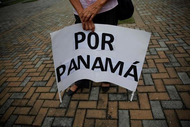 El Parlamento panameño recibe la propuesta de la quinta papeleta para una nueva Constitución