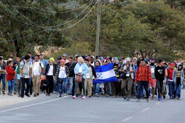 Elecciones y caravana migrante marcan el 27 aniversario de paz en El Salvador