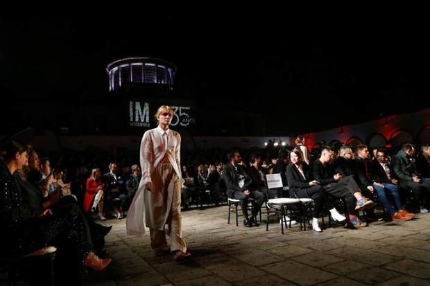 Glamour y brillo se hace presentes en pasarela de Giannina Azar en México