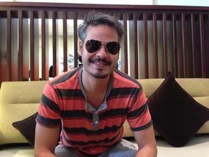 En la imagen un registro del actor y cineasta dominicano Frank Perozo, director de la película 'Qué León'.