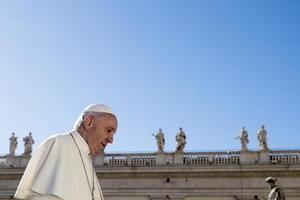 El papa Francisco en la plaza de San Pedro, en el Vaticano.