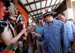 Hernández anuncia creación distritos turísticos valles y montañas en Honduras.
