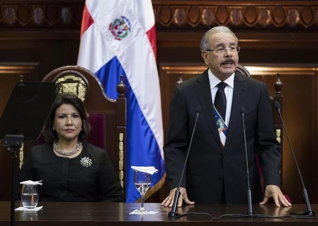 Medina anuncia un aumento salarial para el sector público en año preelectoral