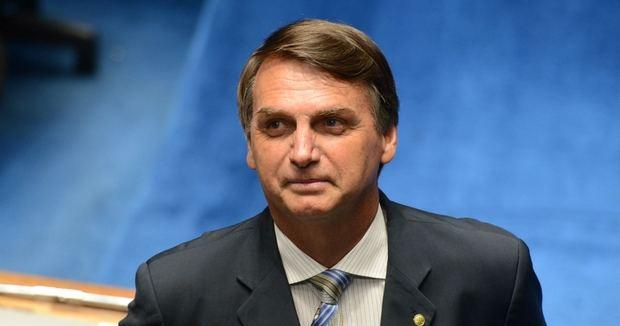 La caída de un ministro pone a prueba a la base parlamentaria de Bolsonaro