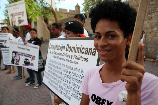 Colectivo LGTBI dominicano reclama sus derechos frente a Procuraduría.