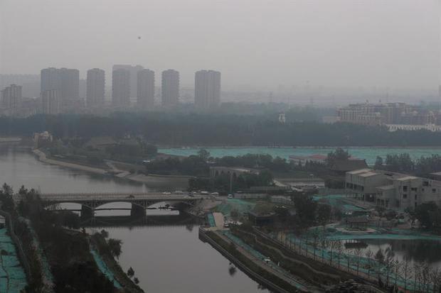 Millones de ciudadanos celebran hoy el Día Mundial del Medio Ambiente, que este año tiene a China como país anfitrión global de las Naciones Unidas y a la contaminación del aire como protagonista, un problema que causa cada año cerca de siete millones de muertes.