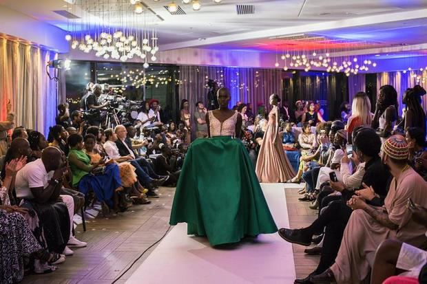 La creatividad africana desfila en la Dakar Fashion Week de Senegal
