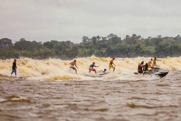 La Pororoca: la ola 'mágica' en el encuentro del río Amazonas con el mar