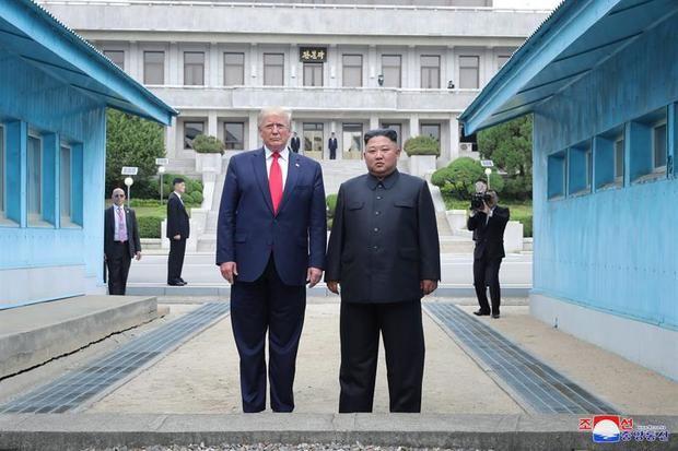 Los medios norcoreanos dan una amplia cobertura a la reunión de Kim y Trump