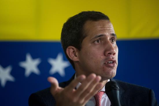 Guaidó denuncia la detención de dos miembros de su equipo de seguridad