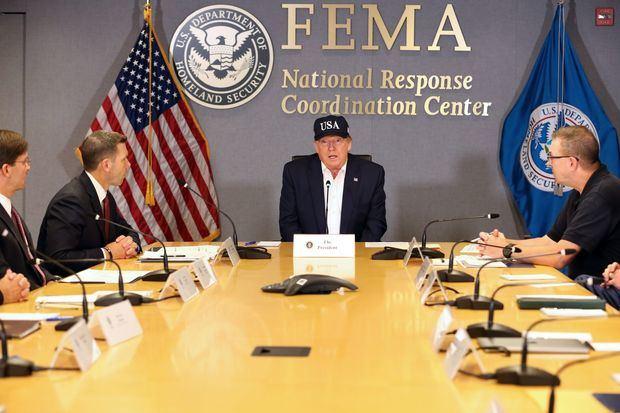 """""""No sabemos lo que se nos viene"""", dice Trump sobre el huracán Dorian"""