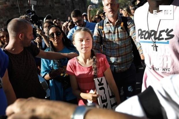 En  la multitudinaria marcha, una de las mayores de los últimos años en la ciudad de los rascacielos, allí participó la activista sueca Greta Thunberg,
