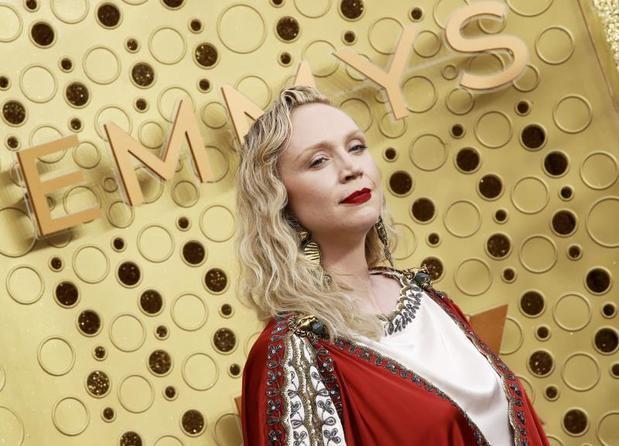 """Las estrellas de """"Game of Thrones"""" reinan en la alfombra morada de los Emmy"""