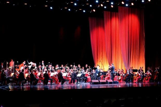 El tenor españolJosé Carreras durante el concierto que ha dado este martes en el Palacio del Kremlin, que según afirmó ayer es 'uno de los últimos' en sucarrera.
