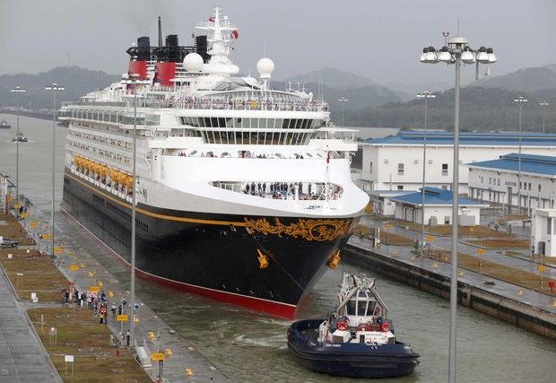 El canal espera un total de 258 tránsitos de cruceros para la temporada 2019-2020, que ya fue inaugurada con el paso del Island Princess de Princess Cruises, que transitó en dirección norte, proveniente de Vancouver, Canadá, en un viaje de 21 días hacia Fort Lauderdale, Florida, Estados Unidos.