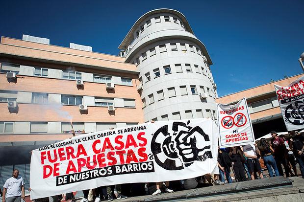 Protestas en España contra la proliferación de casas de apuestas